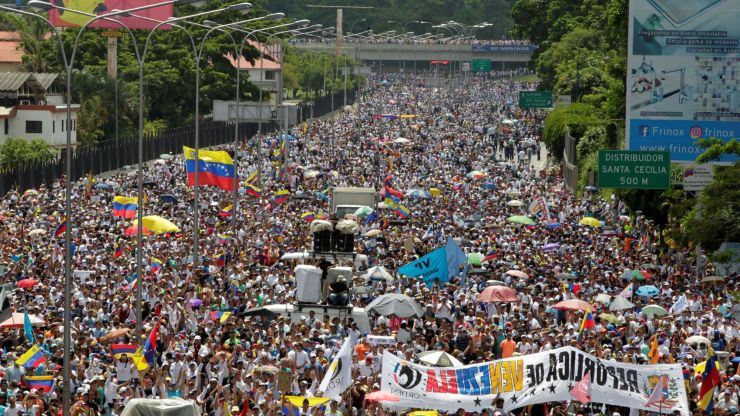 opposition-supporters-rally-against-president-nicolas-maduro-in-caracas_5883379